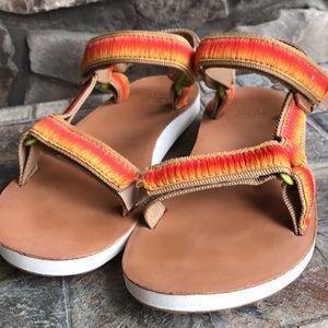 🍊Teva ombre sandals